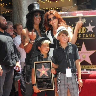 Slash, London Emilio Hudson, Perla Ferrar, Cash Anthony Hudson in Slash Honored with A Star on The Hollywood Walk of Fame