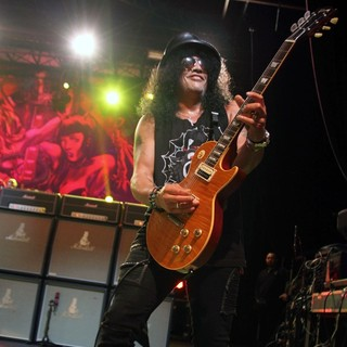 Slash in Slash Performing at Hisense Arena