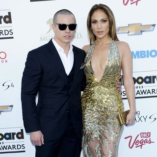 Jennifer Lopez in 2013 Billboard Music Awards - Arrivals - smart-lopez-2013-billboard-music-awards-02
