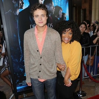 Douglas Smith, Yvette Nicole Brown in Percy Jackson: Sea of Monsters Premiere