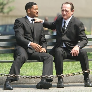 Will Smith, Tommy Lee Jones in Shooting on Location for Men in Black 3