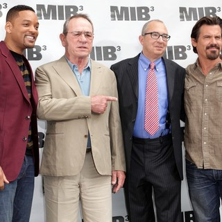 Will Smith, Tommy Lee Jones, Barry Sonnenfeld, Josh Brolin in Men in Black 3 Photocall