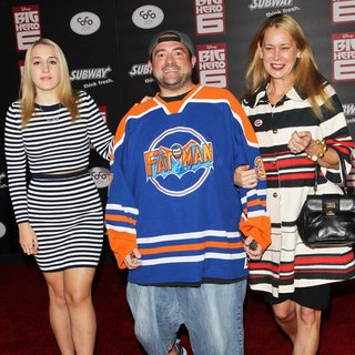 Harley Quinn Smith, Kevin Smith, Jennifer Schwalbach Smith in Premiere of Disney's Big Hero 6 - Arrivals
