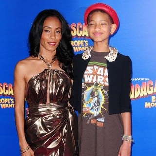Willow Smith in New York Premiere of Dreamworks Animation's Madagascar 3: Europe's Most Wanted - smith-premiere-madagascar-3-europe-s-most-wanted-01