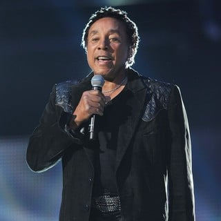 Smokey Robinson in Michael Jackson Tribute Concert Held at The Cardiff Millenium Stadium