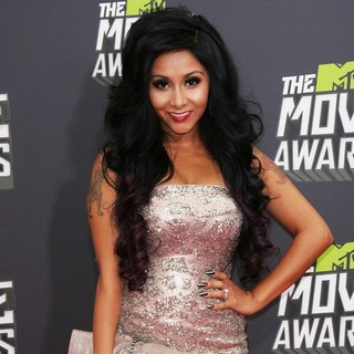 Snooki in 2013 MTV Movie Awards - Arrivals - snooki-2013-mtv-movie-awards-01