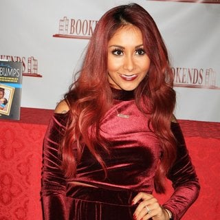 Snooki in Snooki Does A Book Signing for Her Book Baby Bumps
