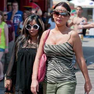 Snooki, JWoww in The Cast of Jersey Shore Out and About in Seaside