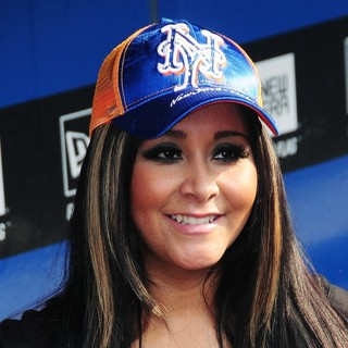 Snooki in Snooki Meets The New York Mets Third Basemen David Wright