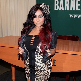 Snooki in Snooki Promotes Her New Book Confessions of a Guidette