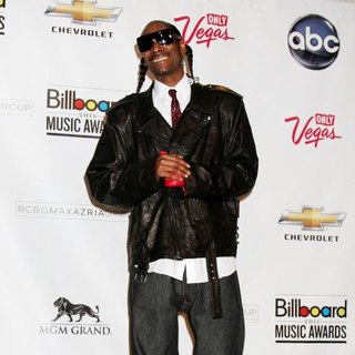 Snoop Dogg in The 2011 Billboard Music Awards - Press Room
