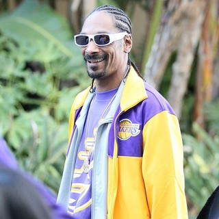 Snoop Dogg in Celebrity Arrivals at The Basketball Match between Los Angeles Lakers and The Chicago Bulls