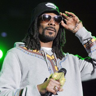 Snoop Dogg in Snoop Dogg Debuts Performing Live on Stage at City Sound Milano Festival