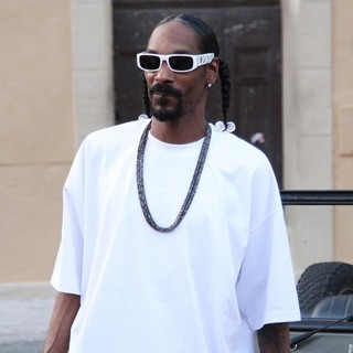 Snoop Dogg in Snoop Dogg Filming A Video with Club Owner and Businessman Jean-Roch