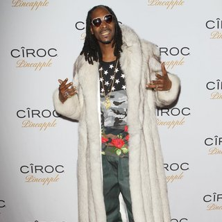 Snoop Dogg in Ciroc Pineapple Hosts French Montana's Birthday Party Celebration - Arrivals