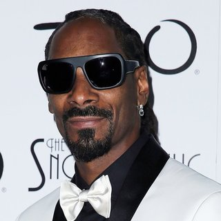 Snoop Dogg in Snoop Dogg Debuts The Snoopadelic Cabaret