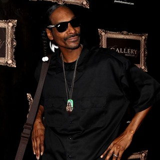 Snoop Dogg in Snoop Dogg Walks The Red Carpet at Gallery Nightclub