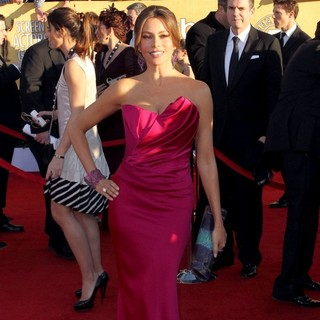 Sofia Vergara in The 18th Annual Screen Actors Guild Awards - Arrivals - sofia-vergara-18th-annual-screen-actors-guild-awards-02