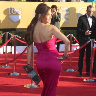 Sofia Vergara in The 18th Annual Screen Actors Guild Awards - Arrivals - sofia-vergara-18th-annual-screen-actors-guild-awards-04