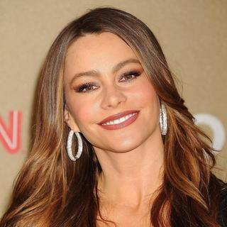 Sofia Vergara in 2011 CNN Heroes: An All-Star Tribute - sofia-vergara-2011-cnn-heroes-02