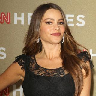 Sofia Vergara in 2011 CNN Heroes: An All-Star Tribute - sofia-vergara-2011-cnn-heroes-03