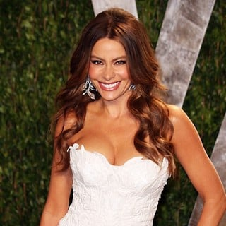 Sofia Vergara in 2012 Vanity Fair Oscar Party - Arrivals - sofia-vergara-2012-vanity-fair-oscar-party-03