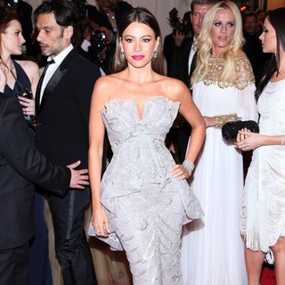 Sofia Vergara in Schiaparelli and Prada Impossible Conversations Costume Institute Gala