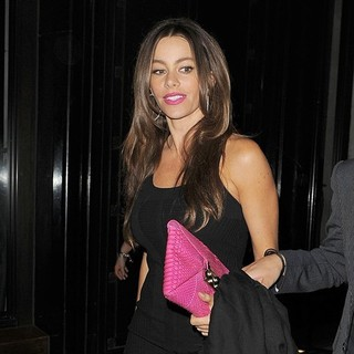 Sofia Vergara in Sofia Vergara Leaving The Wolseley Restaurant
