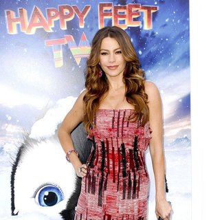 Sofia Vergara in World Premiere of Happy Feet Two - sofia-vergara-premiere-happy-feet-two-03