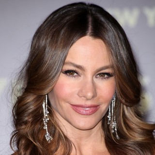 Sofia Vergara in Los Angeles Premiere of New Year's Eve - sofia-vergara-premiere-new-year-s-eve-01