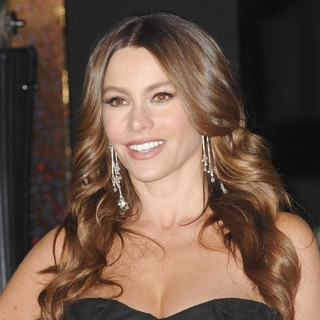 Sofia Vergara in Los Angeles Premiere of New Year's Eve - sofia-vergara-premiere-new-year-s-eve-03