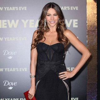 Sofia Vergara in Los Angeles Premiere of New Year's Eve - sofia-vergara-premiere-new-year-s-eve-06