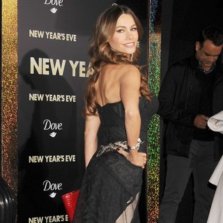 Sofia Vergara in Los Angeles Premiere of New Year's Eve - sofia-vergara-premiere-new-year-s-eve-07