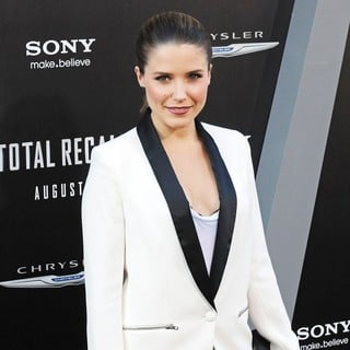 Sophia Bush in Los Angeles Premiere of Total Recall
