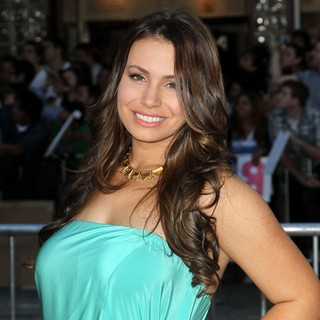 Sophie Simmons in The Premiere of Savages