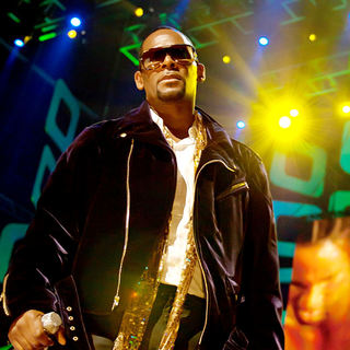 R. Kelly in Soul Train Awards - Show