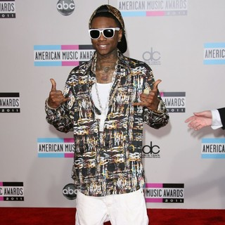Soulja Boy in 2011 American Music Awards - Arrivals - soulja-boy-2011-american-music-awards-03