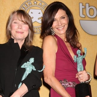 Sissy Spacek, Mary Steenburgen in The 18th Annual Screen Actors Guild Awards - Press Room