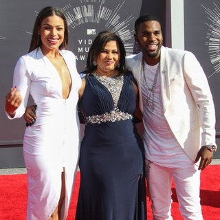 Jordin Sparks, Jochlin Desrouleaux, Jason Derulo in 2014 MTV Video Music Awards - Arrivals