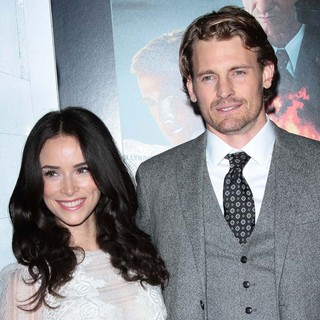 Abigail Spencer, Josh Pence in The Los Angeles World Premiere of Gangster Squad - Arrivals
