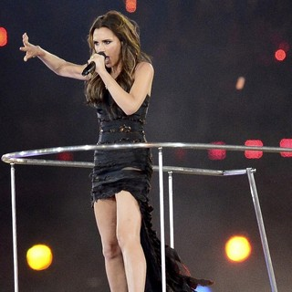 Victoria Adams, Spice Girls in London 2012 Olympic Games - Closing Ceremony