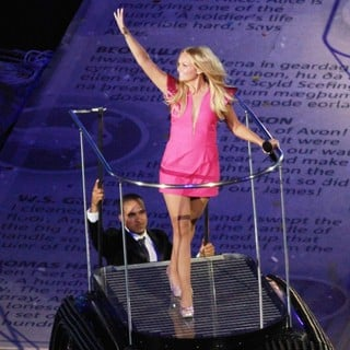Emma Bunton, Spice Girls in London 2012 Olympic Games - Closing Ceremony