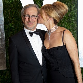 Steven Spielberg, Kate Capshaw in 2013 Vanity Fair Oscar Party - Arrivals