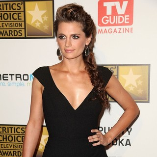 Stana Katic in 2012 Critics' Choice TV Awards - Arrivals