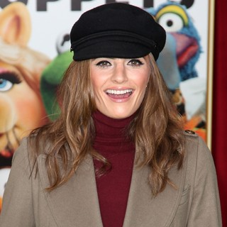 Stana Katic in The Premiere of Walt Disney Pictures' The Muppets - Arrivals