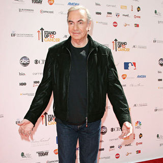 Neil Diamond in 2010 Stand Up To Cancer - Arrivals