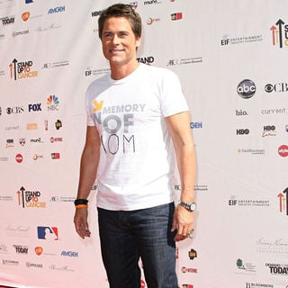 Rob Lowe in 2010 Stand Up To Cancer - Arrivals