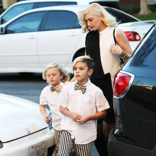 Zuma Rossdale, Kingston Rossdale, Gwen Stefani in Gwen Stefani Takes Her Sons to A Christmas Eve Church Service