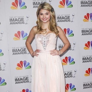 Stefanie Scott in The 43rd Annual NAACP Awards - Arrivals