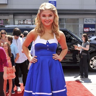 Stefanie Scott in The World Premeire of The Three Stooges - Arrivals